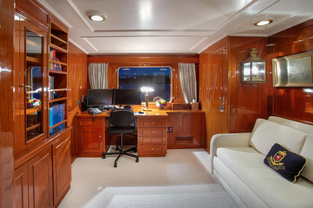 CETACEA - Luxury Motor Yacht For Charter - Master Cabin - Img 3   C&N