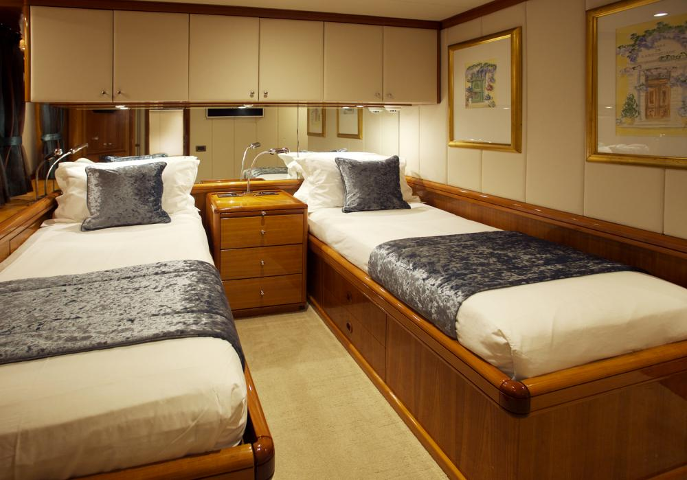 REE - Luxury Sailing Yacht For Sale - Twin Cabins - Img 2 | C&N