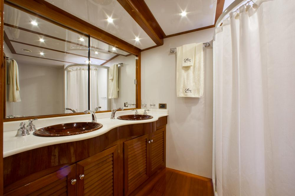 REE - Luxury Sailing Yacht For Sale - Master Cabin - Img 2 | C&N