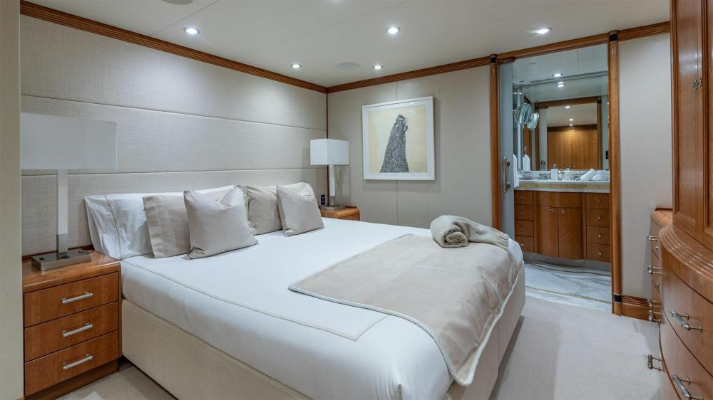 ZEAL - Luxury Motor Yacht For Charter - Four Double Cabins - Img 2   C&N