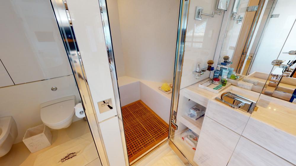 LA PELLEGRINA 1 - Luxury Motor Yacht For Sale - Full Beam VIP Cabin + Four Guest Suites - Img 7 | C&N