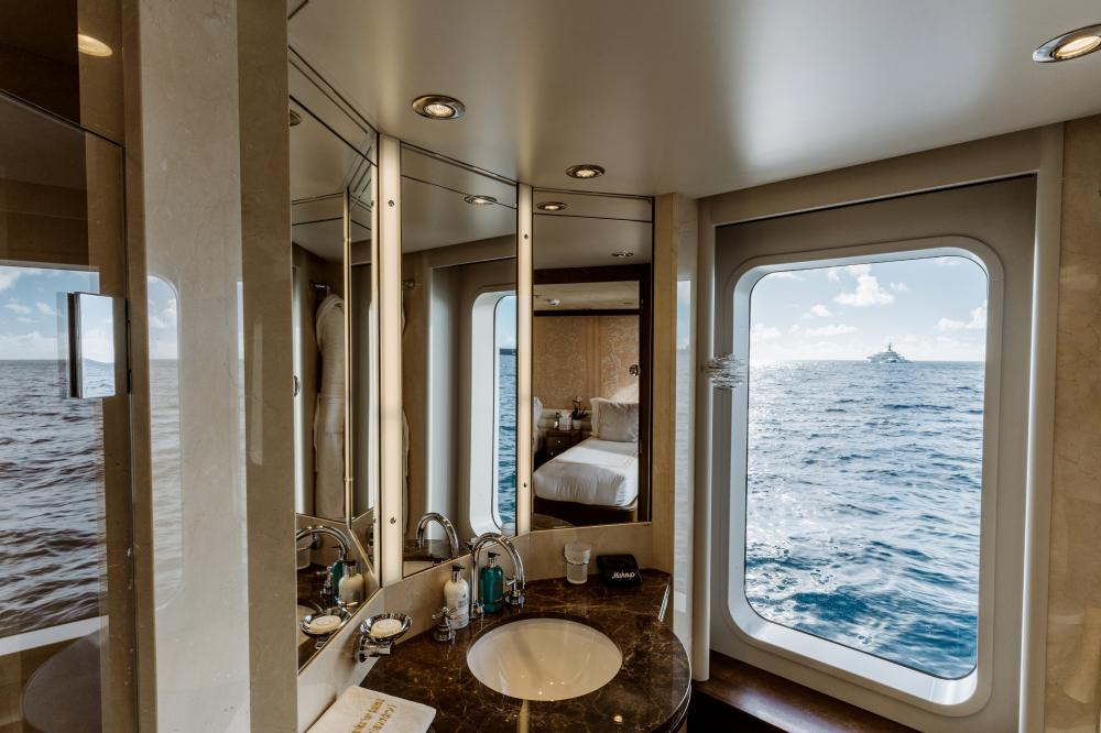 BELLA - Luxury Motor Yacht For Charter - 4 Further Cabins - Img 3 | C&N