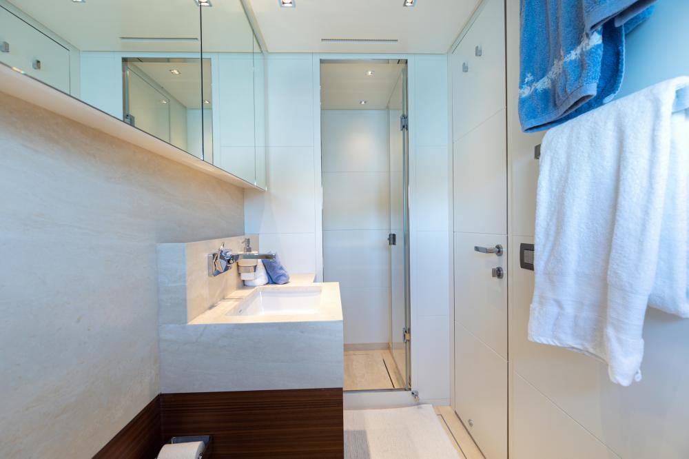 THE UNIFIER KING ABDULAZIZ - Luxury Motor Yacht For Sale - Double Cabin - Img 3 | C&N