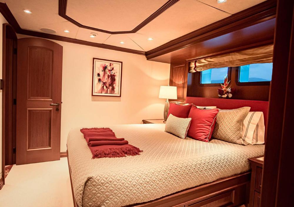 PURE BLISS - Luxury Motor Yacht For Charter - 3 Double Guest Staterooms - Img 1   C&N