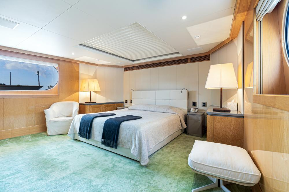 SECRET LOVE - Luxury Motor Yacht For Sale - 1 MASTER CABIN - Img 1   C&N