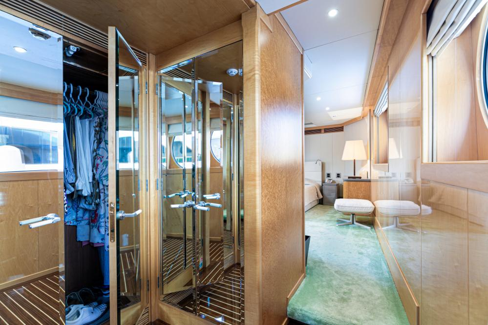 SECRET LOVE - Luxury Motor Yacht For Sale - 1 MASTER CABIN - Img 4   C&N