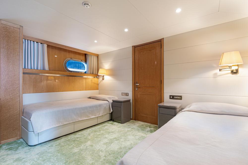 SECRET LOVE - Luxury Motor Yacht For Sale - 2 TWIN CABINS - Img 2   C&N