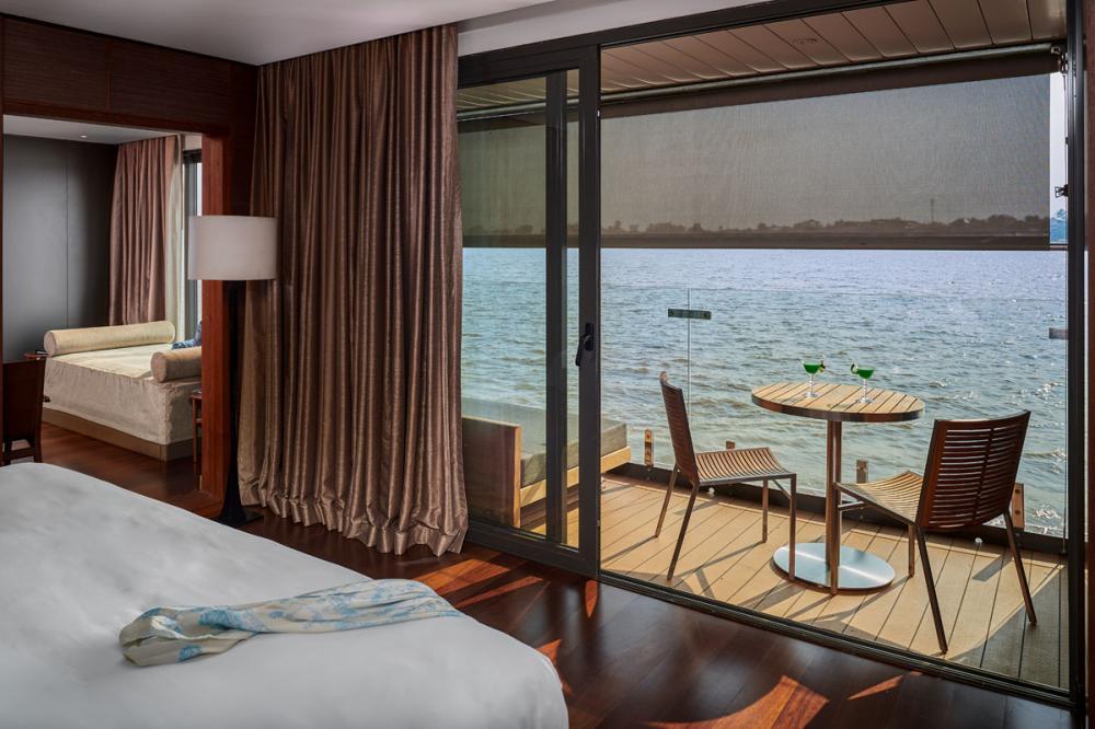 AQUA MEKONG - Luxury Motor Yacht For Charter - INTERCONNECTING SUITES - Img 3   C&N