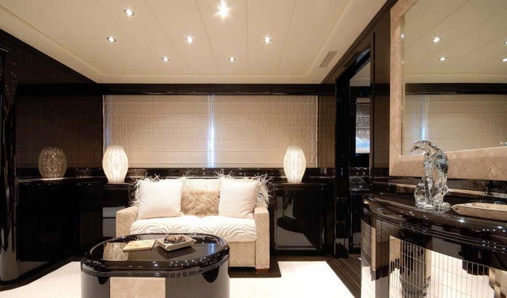 AFRICAN CAT - Luxury Motor Yacht For Sale - Master Cabin - Img 2   C&N