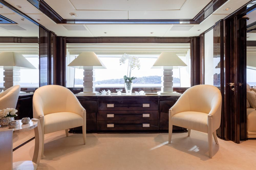 ILLUSION V - Luxury Motor Yacht For Charter - 1 MASTER CABIN  - Img 4   C&N