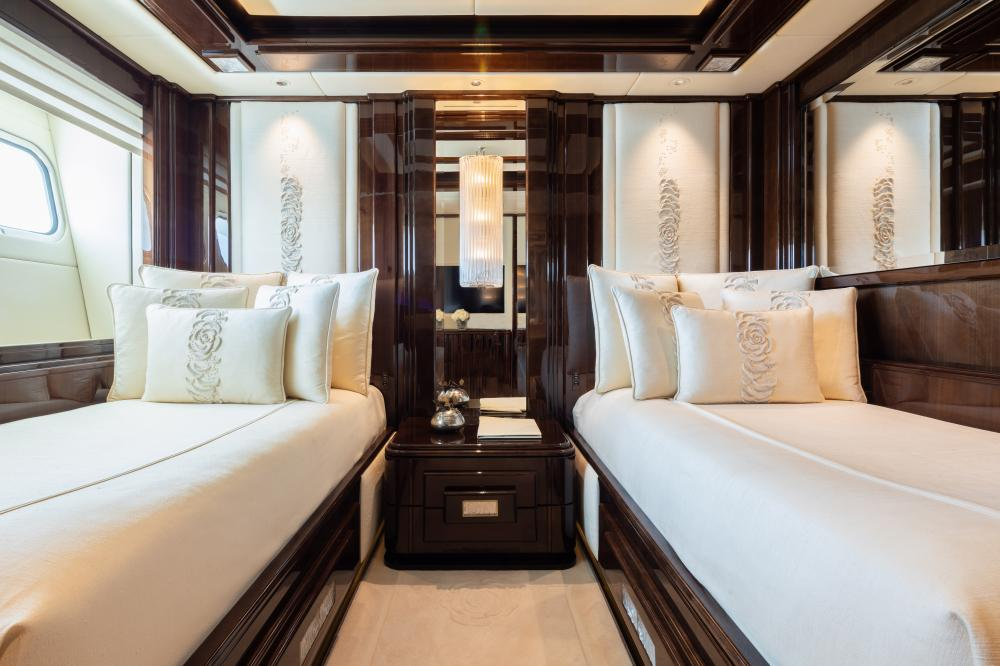 ILLUSION V - Luxury Motor Yacht For Charter - 3 TWIN CABINS - Img 1   C&N