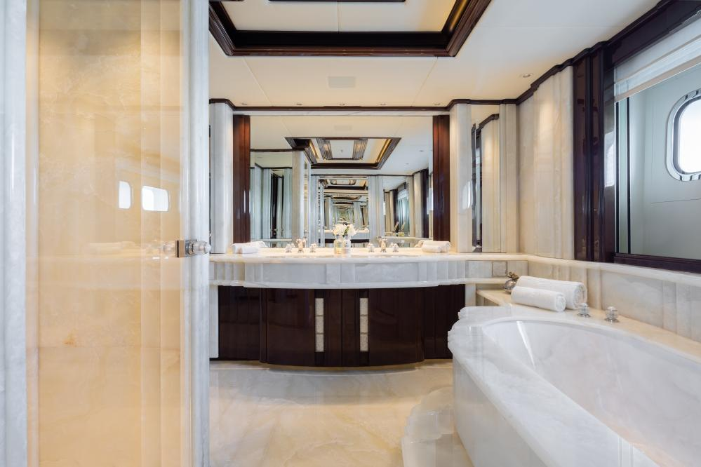 ILLUSION V - Luxury Motor Yacht For Charter - 1 VIP CABIN - Img 4   C&N