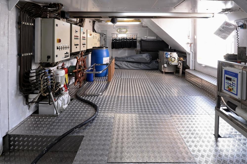 SHAF - Luxury Motor Yacht For Sale - Engine Room - Img 2   C&N