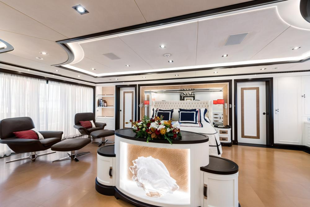 FOREVER ONE - Luxury Motor Yacht For Sale - Master Cabin - Img 1 | C&N