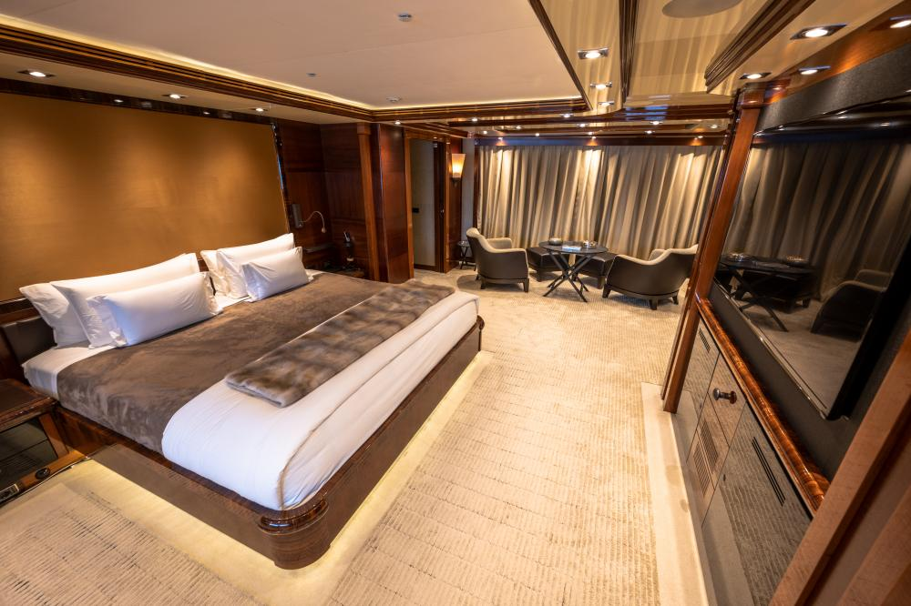 AZTECA - Luxury Motor Yacht For Sale - Master Cabin - Img 1 | C&N