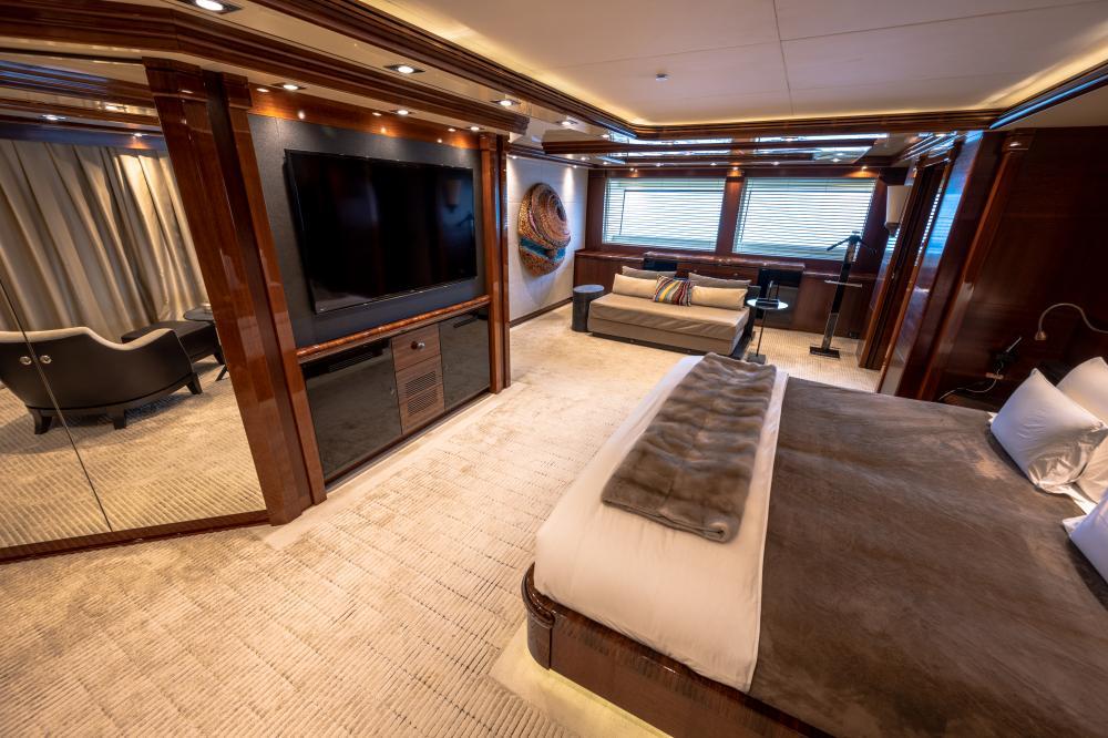 AZTECA - Luxury Motor Yacht For Sale - Master Cabin - Img 2 | C&N