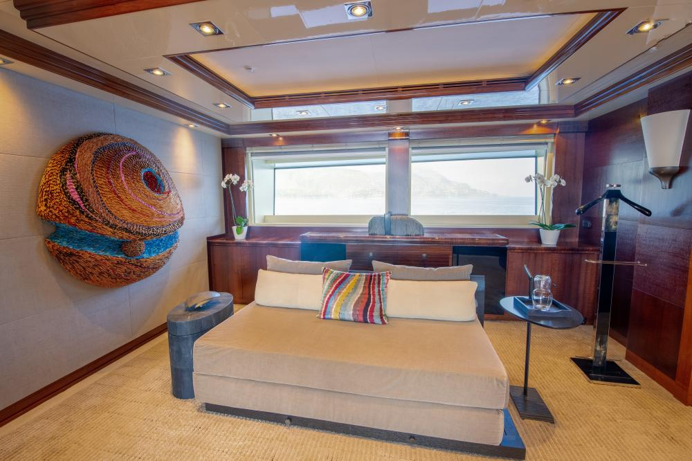AZTECA - Luxury Motor Yacht For Sale - Master Cabin - Img 4 | C&N