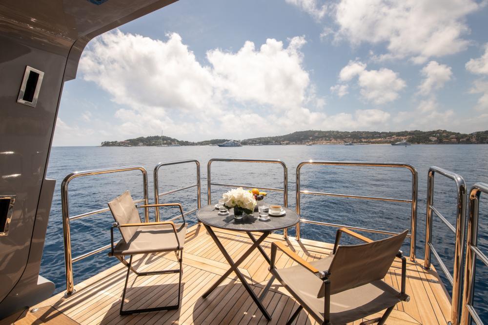 AZTECA - Luxury Motor Yacht For Sale - Master Cabin - Img 9 | C&N
