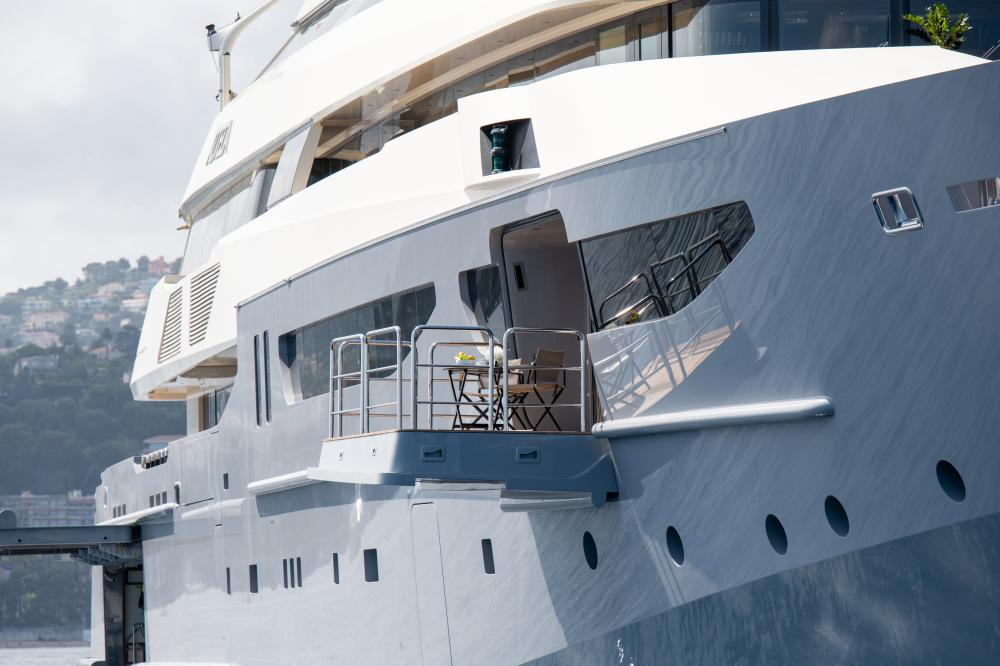 AZTECA - Luxury Motor Yacht For Sale - Master Cabin - Img 10 | C&N