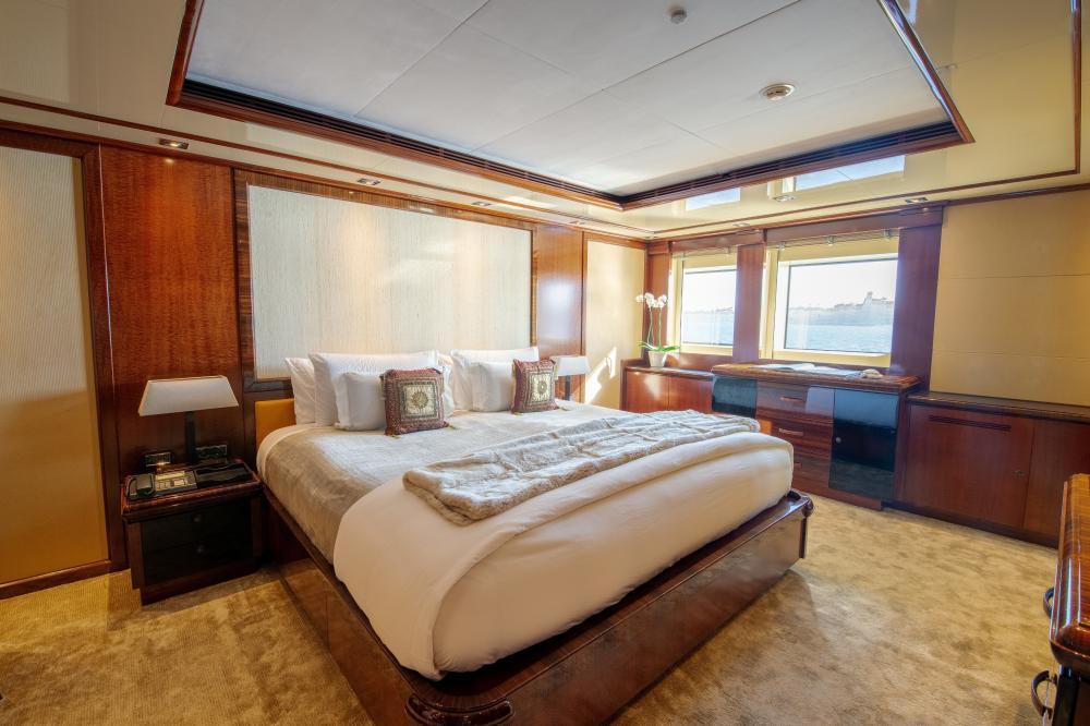 AZTECA - Luxury Motor Yacht For Sale - Double Cabins - Img 1 | C&N