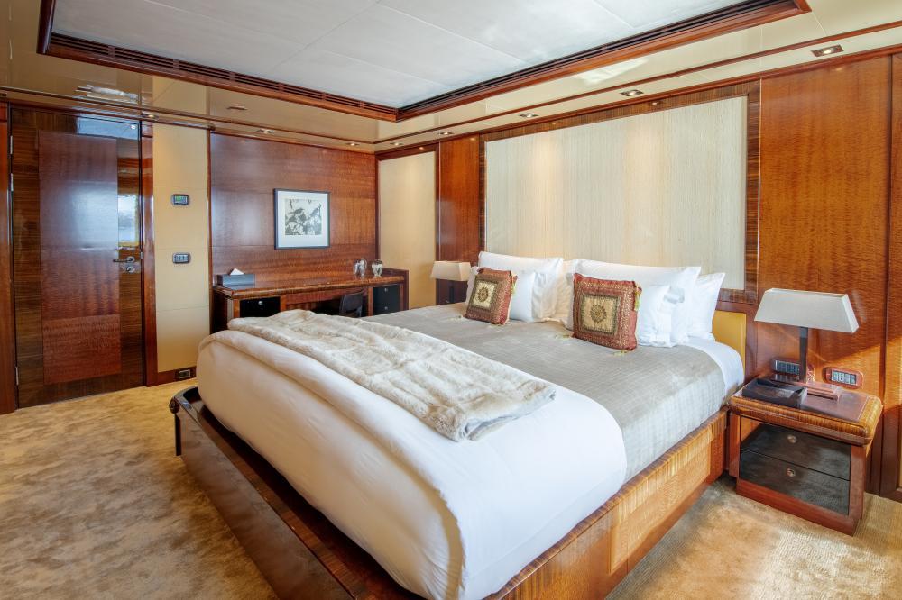 AZTECA - Luxury Motor Yacht For Sale - Double Cabins - Img 2 | C&N