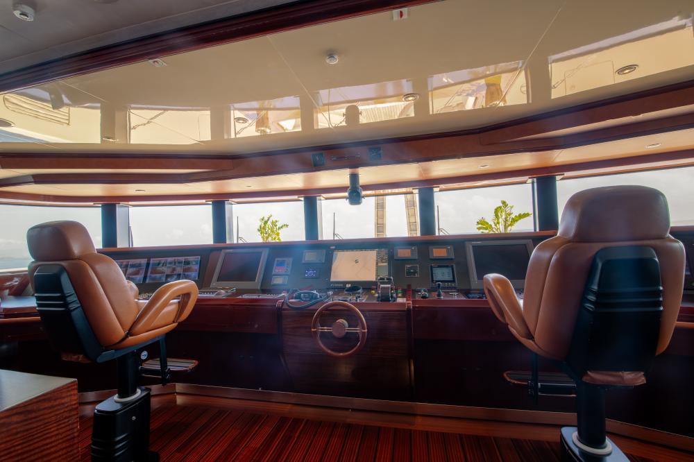 AZTECA - Luxury Motor Yacht For Sale - Pilothouse - Img 1 | C&N