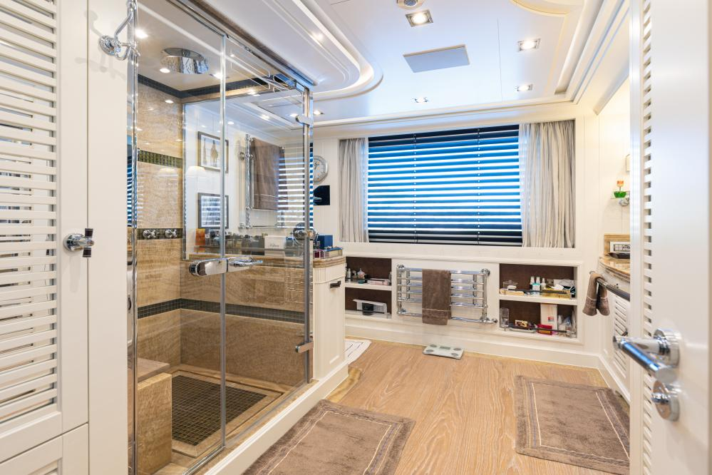 FOREVER ONE - Luxury Motor Yacht For Sale - Master Cabin - Img 4 | C&N