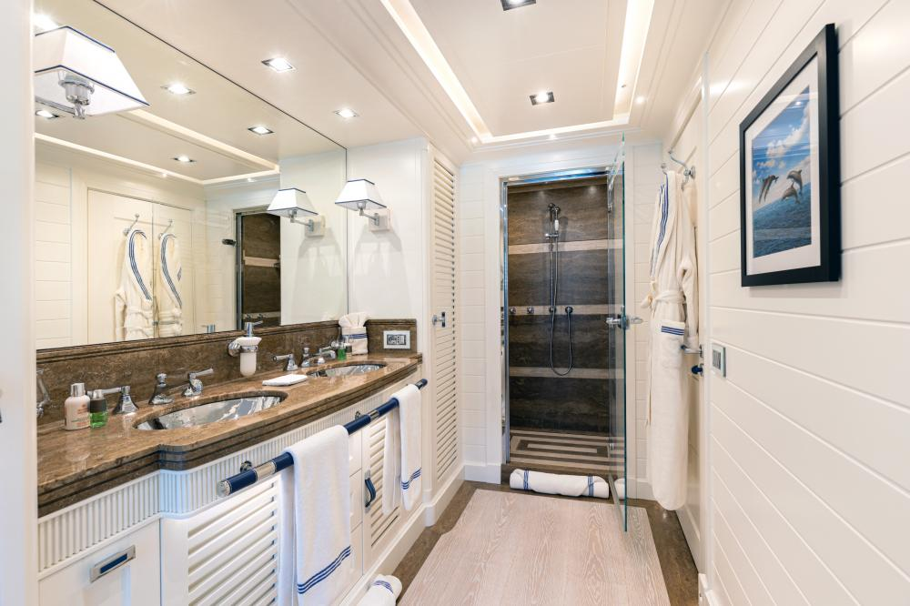 FOREVER ONE - Luxury Motor Yacht For Sale - Double Cabins - Img 5 | C&N