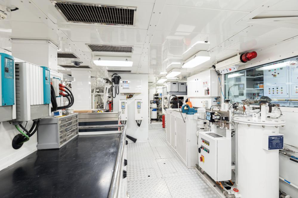 FOREVER ONE - Luxury Motor Yacht For Sale - Engine Room - Img 1 | C&N