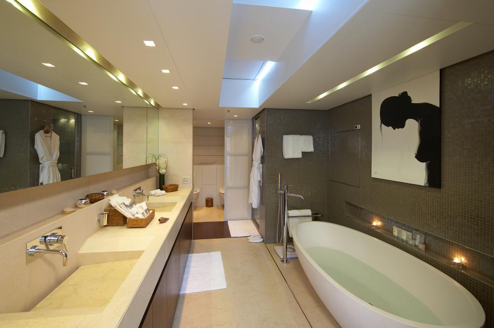 BURKUT - Luxury Motor Yacht For Charter - Master Cabin - Img 4   C&N