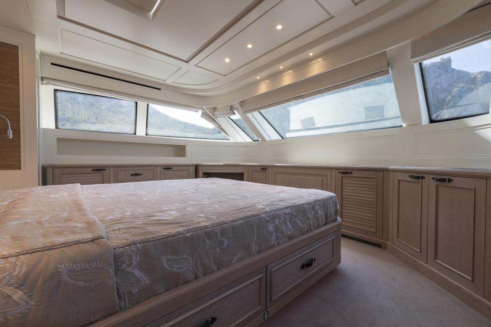 CHICK CHUK - Luxury Motor Yacht For Sale - Master Cabin - Img 1 | C&N