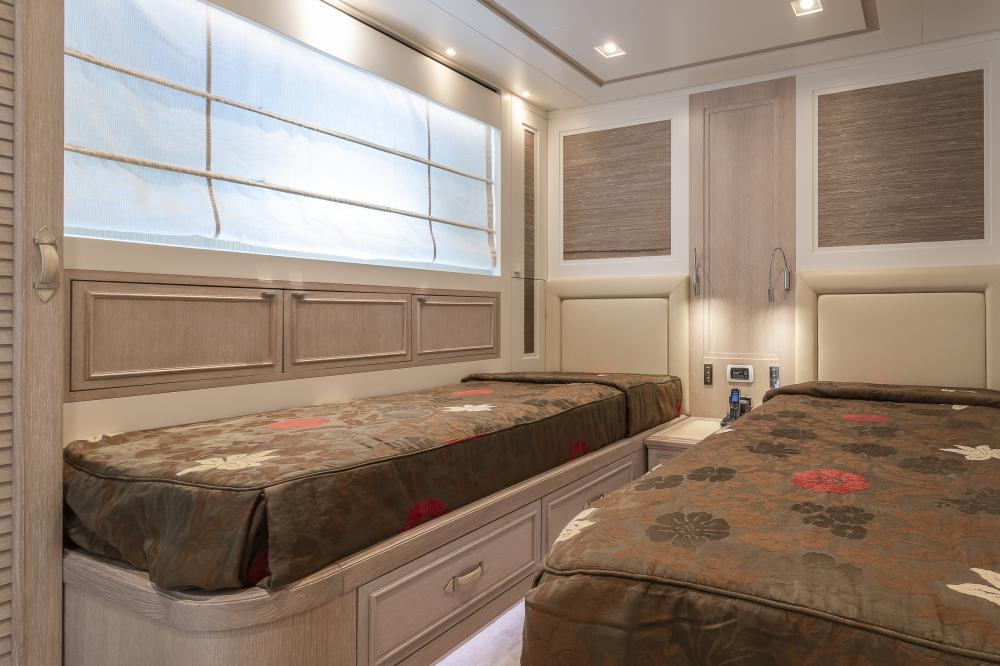 CHICK CHUK - Luxury Motor Yacht For Sale - Twin Cabins - Img 1 | C&N