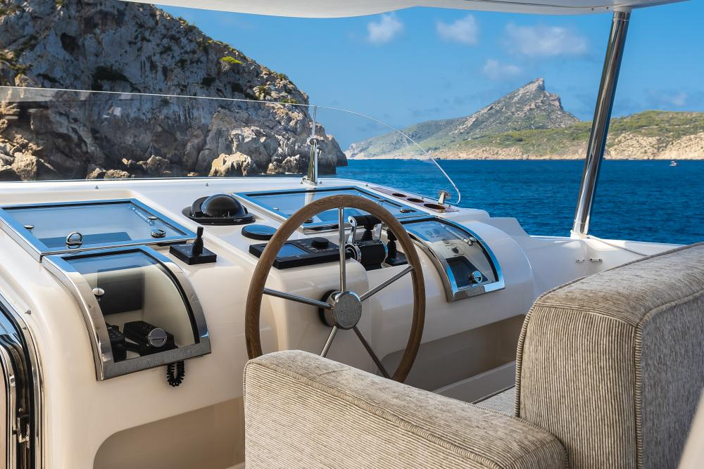 CHICK CHUK - Luxury Motor Yacht For Sale - Pilothouse - Img 2 | C&N
