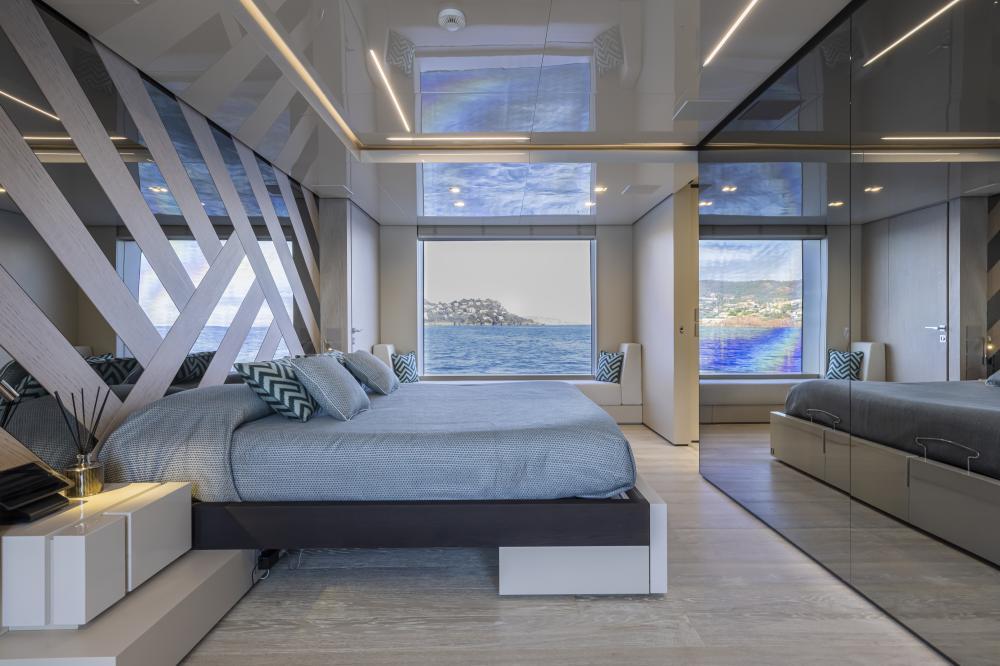 EMOCEAN - Luxury Motor Yacht For Charter - Master Cabin - Img 1 | C&N
