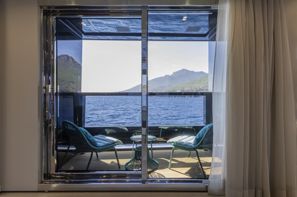 EMOCEAN - Luxury Motor Yacht For Charter - Master Cabin - Img 4 | C&N