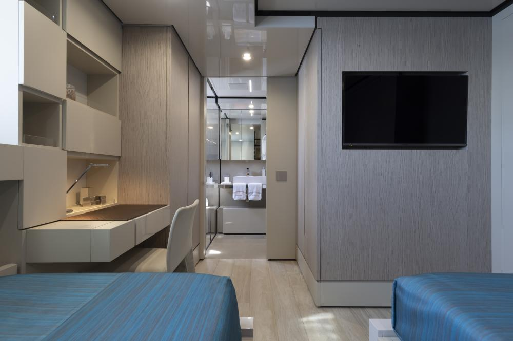 EMOCEAN - Luxury Motor Yacht For Charter - Twin cabin - Img 4 | C&N