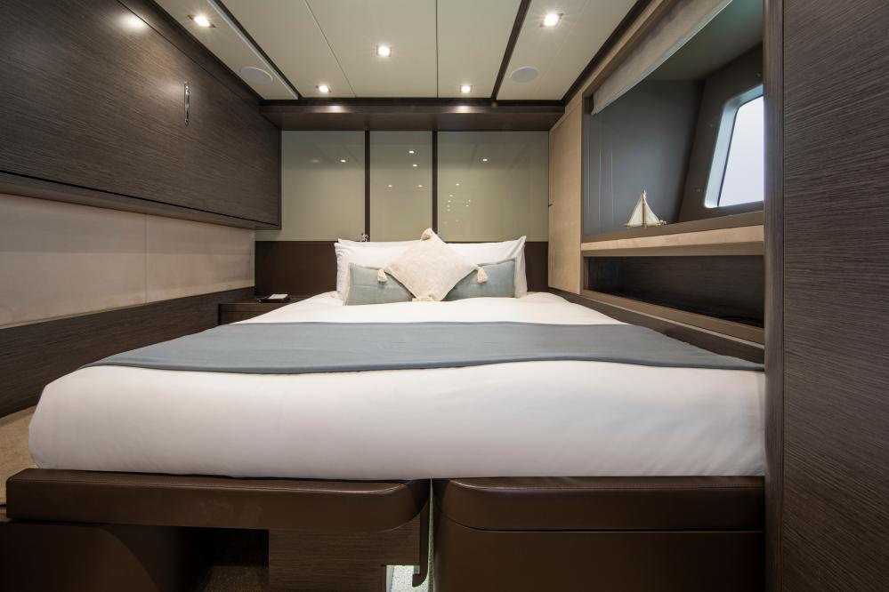 ORSO 3 - Luxury Motor Yacht For Charter - 2 TWIN CABINS - Img 2   C&N