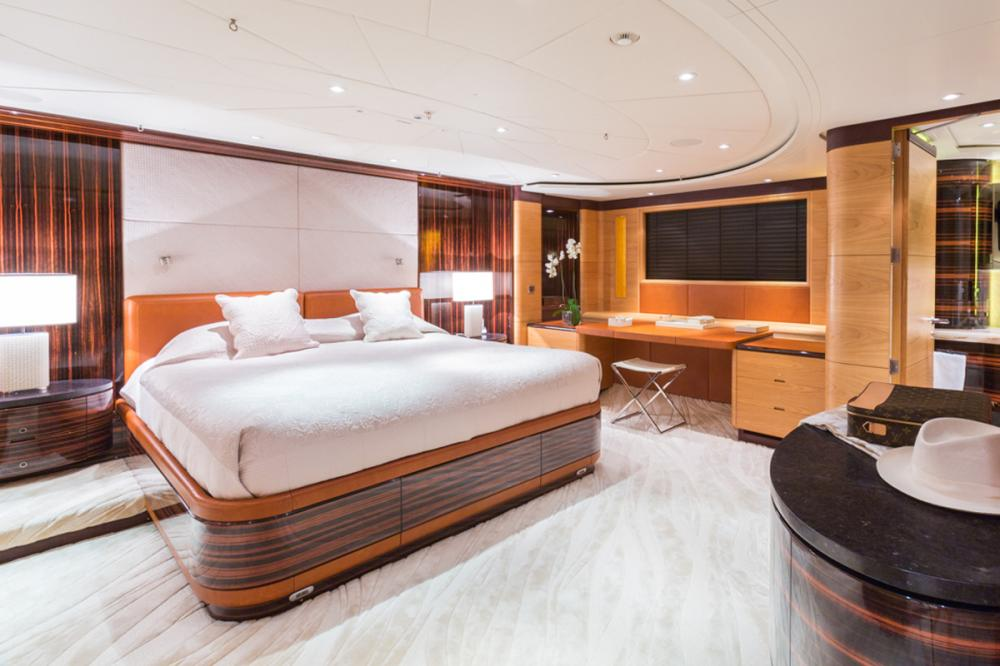 Q - Luxury Sailing Yacht For Charter - 1 MASTER CABIN - Img 2 | C&N