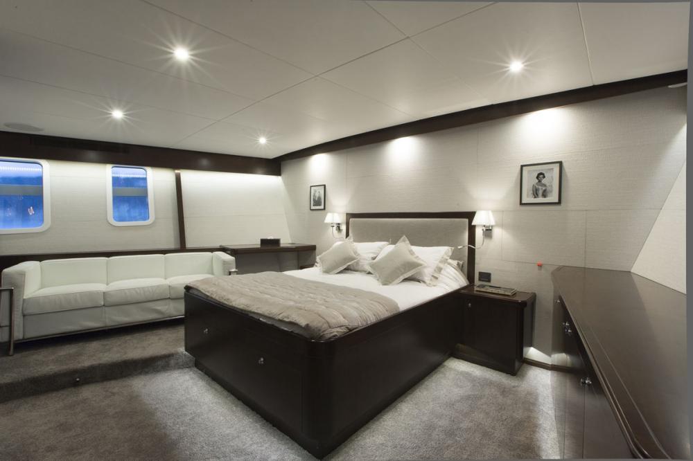 SULTANA - Luxury Motor Yacht For Charter - 1 MASTER CABIN - Img 1   C&N