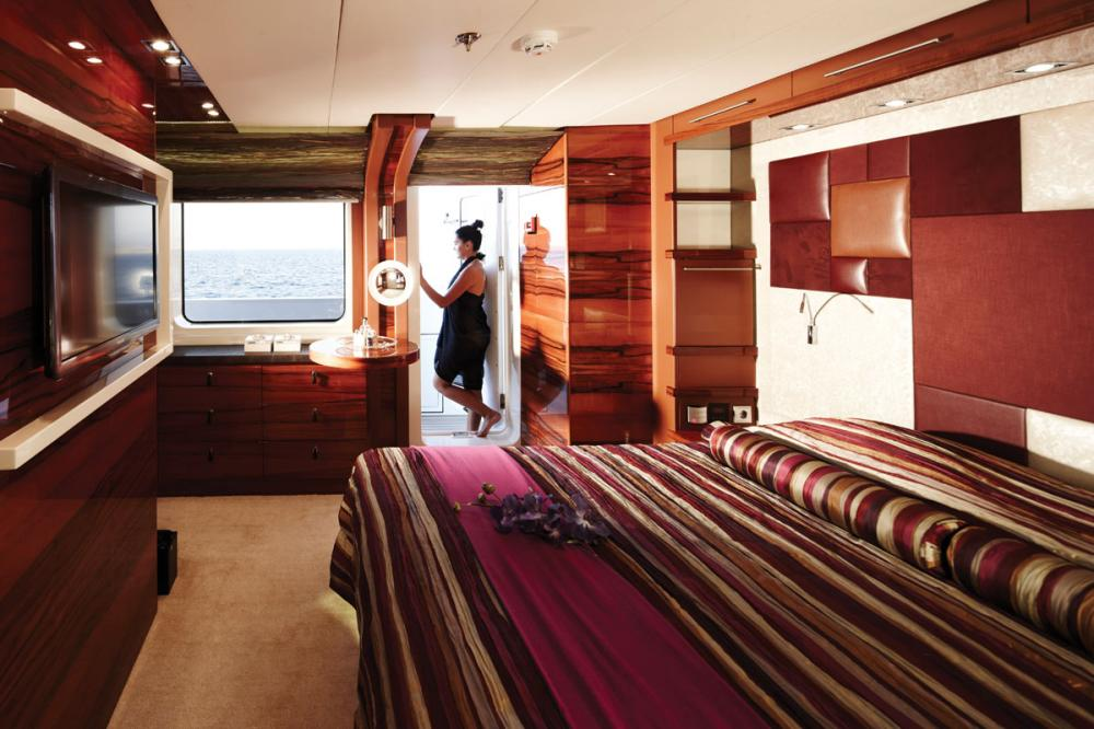 E&E - Luxury Motor Yacht For Charter - 2 DOUBLE CABINS - Img 1 | C&N