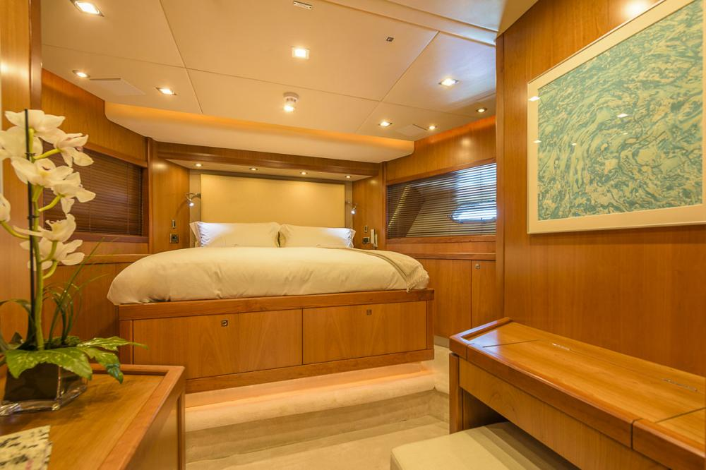 CASINO ROYALE - Luxury Motor Yacht For Charter - 1 DOUBLE CABIN - Img 3 | C&N