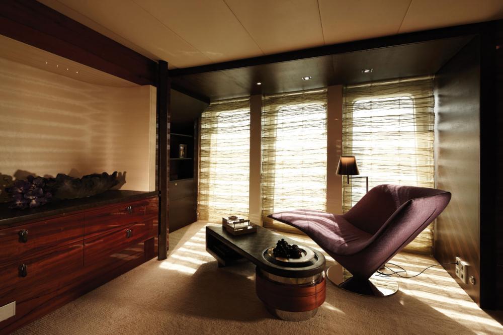 E&E - Luxury Motor Yacht For Charter - 1 MASTER CABIN - Img 3 | C&N