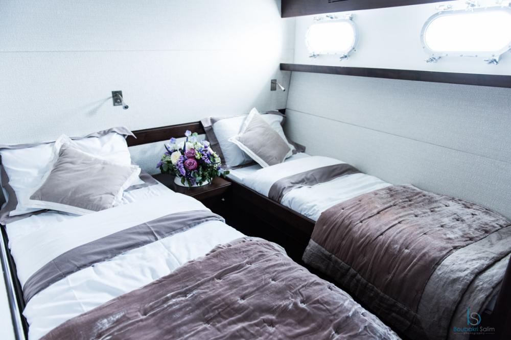 SULTANA - Luxury Motor Yacht For Charter - 2 TWIN CABINS - Img 2   C&N