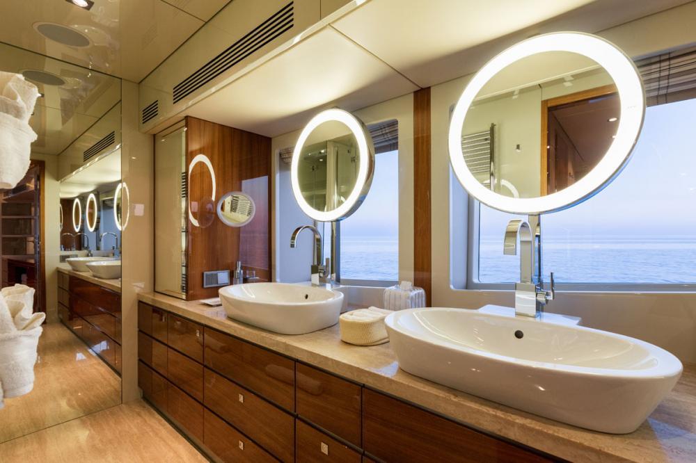 BASMALINA II - Luxury Motor Yacht For Sale - 1 MASTER CABIN - Img 2 | C&N