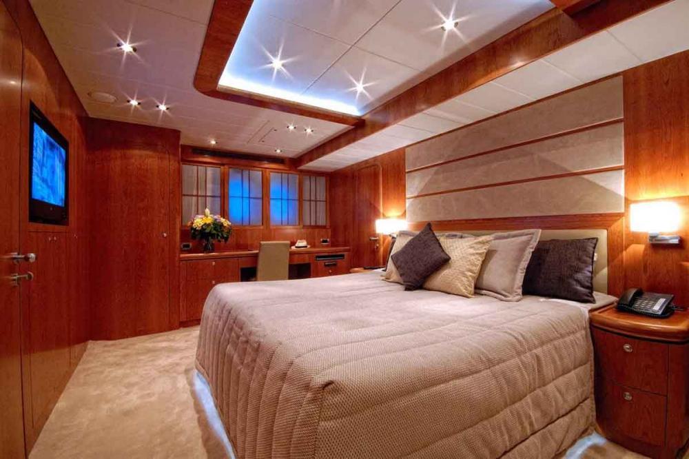 ANNABEL II - Luxury Motor Yacht For Sale - 2 DOUBLE CABINS - Img 3   C&N