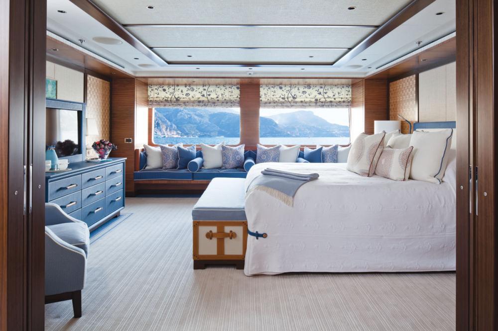 BATON ROUGE - Luxury Motor Yacht For Charter - 1 MASTER CABIN - Img 1   C&N