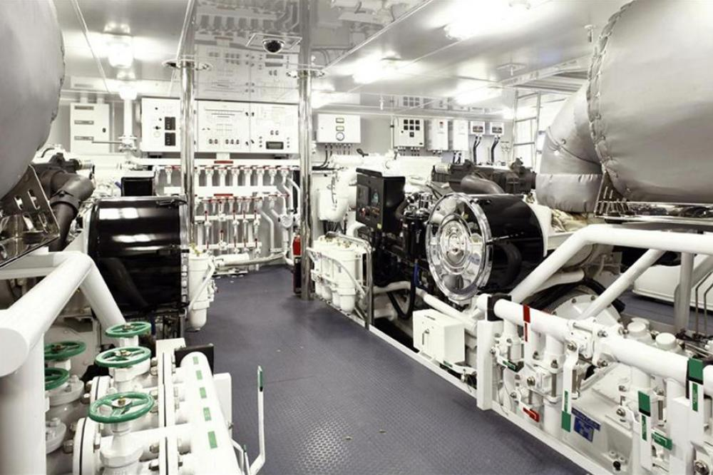 VICTORIA DEL MAR - Luxury Motor Yacht For Charter - ENGINE ROOM - Img 1   C&N