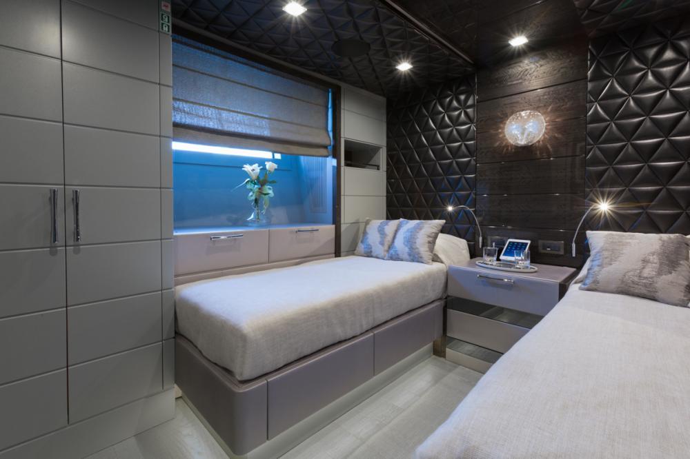 EDESIA - Luxury Motor Yacht For Sale - 2 TWIN CABINS - Img 1 | C&N