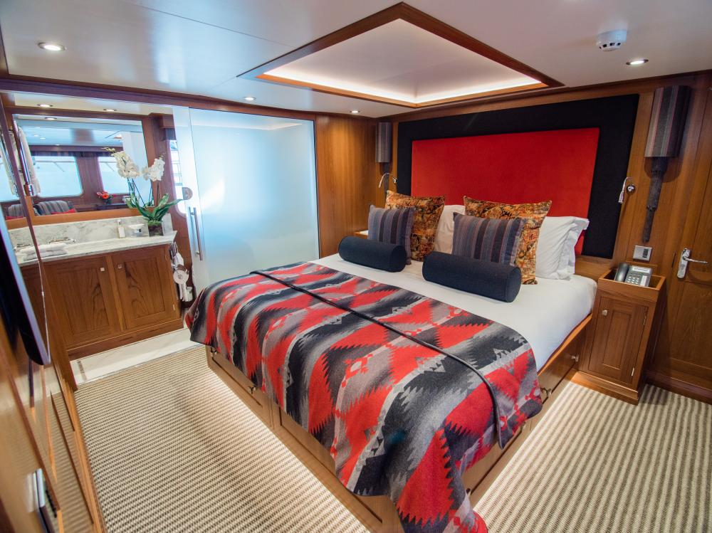 CHESELLA - Luxury Motor Yacht For Charter - 2 VIP CABINS - Img 1 | C&N