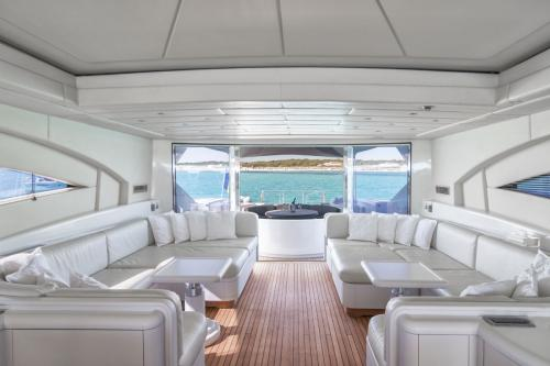 FOUR FRIENDS - Luxury Motor Yacht For Sale - Interior Design - Img 1 | C&N